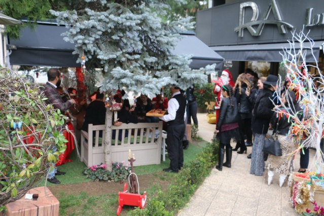 Ra Luxury 'N' Beauty renkli parti